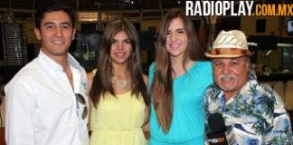 Ariel Valenzuela Karam, Presidente de AESMAC y las chulas embajadoras Zulema Girón y Lorena Coronado, con Colibrí Maldonado.