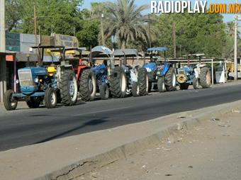 La carretera federal 15 México-Nogales continúa bloqueada a la altura de la población de Vícam