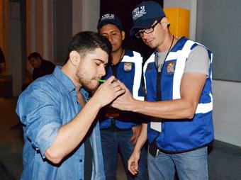 En las últimas semanas se realizaron 180 pruebas de alcoholímetro, de los cuales 80 personas no salieron aptas para manejar
