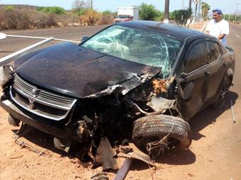 Así quedó el auto del actor y modelo Misael Mevi, accidentado en San Carlos, Nuevo Guaymas. Se recupera en el Hospital CIMA.