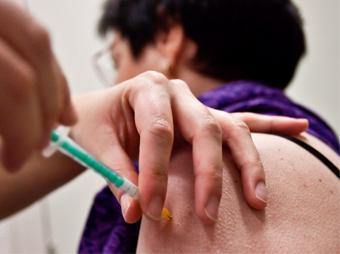 Brasil inicia pruebas en humanos de vacuna contra el dengue