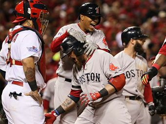 Nada para nadie en la Serie Mundial; Red Sox gana 4-2