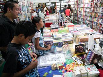 Este domingo finalizó en Hermosillo la Feria del Libro 2013, donde se reportó afluencia de 75 mil personas y se logró la venta de más de 20 mil ejemplares