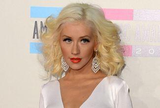 Recupera Christina Aguilera su figura y sorprende en los AMA's