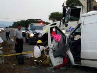 Mueren mujer y sus dos hijos en tramo Obregón-Navojoa