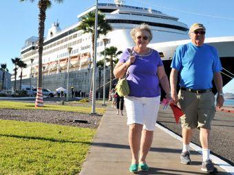 Recibe Guaymas al Crucero Statendam