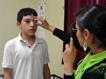 Buscarán en Sonora a alumnos de primaria con problemas visuales