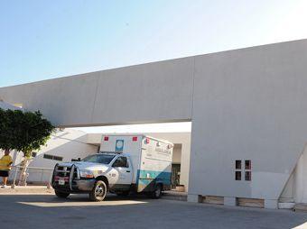 Ejecutan sicarios a hombre herido dentro del hospital de Guaymas