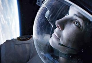 """Escritora afirma que 'Gravedad' de Cuarón, fue basada en su novela escrita en 1999 que también lleva el título de """"Gravity""""."""