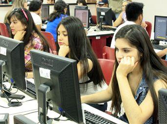 Inician en la Unison exámenes de admisión para alumnos de primer ingreso