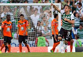 Santos vence en juegazo al Pachuca, pero no le alcanza