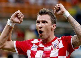 Croacia goleó a Camerún y se jugará el pase contra México