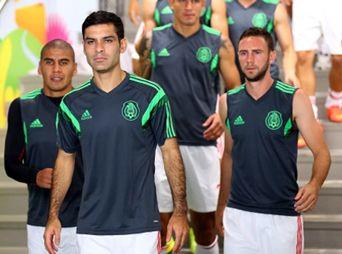 El tricolor ya viaja de regreso a México