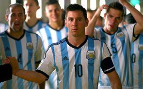 Messi le da apurado triunfo a Argentina sobre Irán