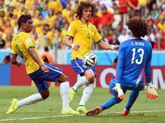 ¡Ochoa, enorme!; México le sacó histórico empate a Brasil