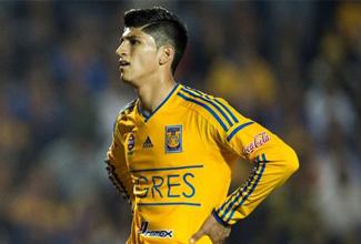 El jugador se ausentó de los entrenamientos del equipo manifestando su deseo de emigrar al futbol europeo, causando molestias en la directiva del club.