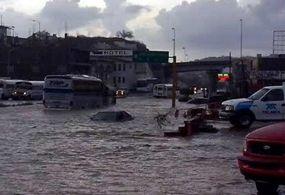 Lluvias en Nogales y Hermosillo dejan inundaciones y caída de árboles