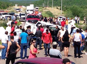 Choque en carretera Hermosillo-Mazatán deja dos muertos