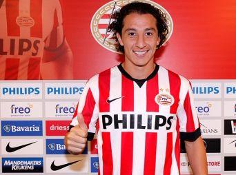 Presentan a Guardado con el PSV de Holanda