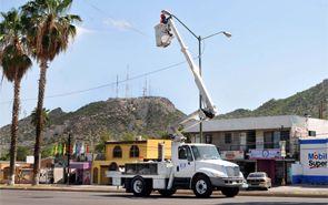 Inició la instalación de iluminación LED en bulevares de Hermosillo