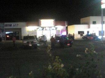Asesinan a 2 en Oxxo del bulevar Quiroga, en Hermosillo