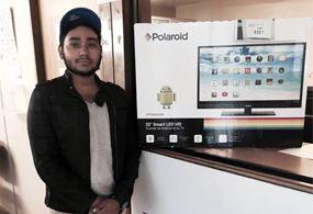 Joven compra TV a 333 pesos por error en tienda