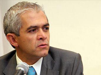 Miguel Mancera sale de hospital