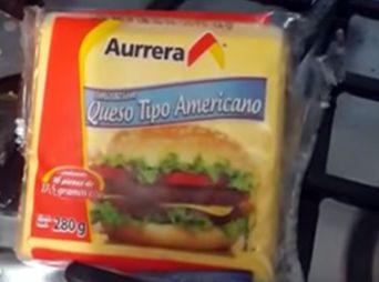 """Vídeo: El """"queso de plástico"""" de Aurrera"""
