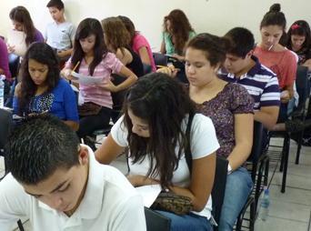 Lo primero que te preguntarás es dónde consultar la convocatoria para preparatorio en Sonora, la página a la que debes ingresar a partir del 03 de marzo es www.prepasonora.gob.mx .