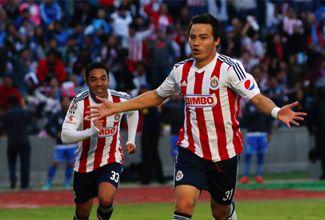 Resumen: Los goles del Cubo Torres que dieron vida a Chivas