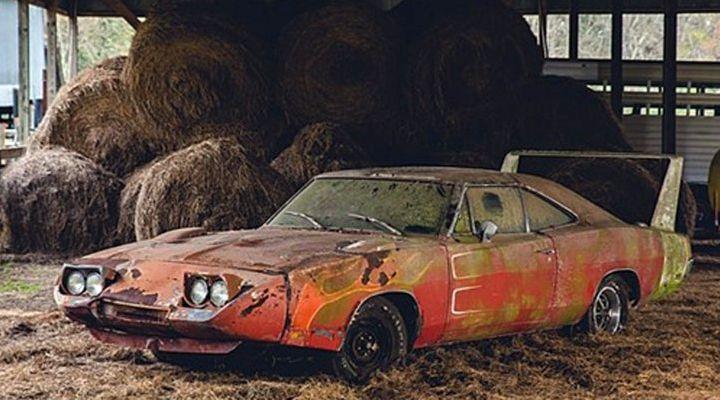 El próximo mes de enero se pondrá a la venta a través de una subasta un Dodge Daytona 1969 que está casi en ruinas. Podría alcanzar un precio de 180 mil dólares.