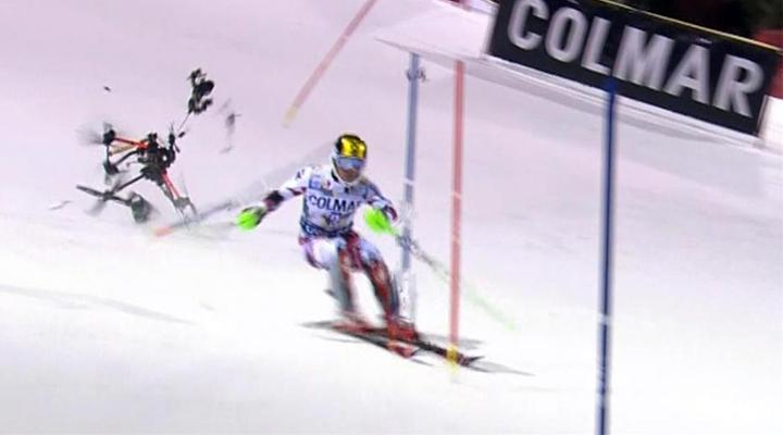Vídeo: Un drone casi cae sobre deportista en competencia