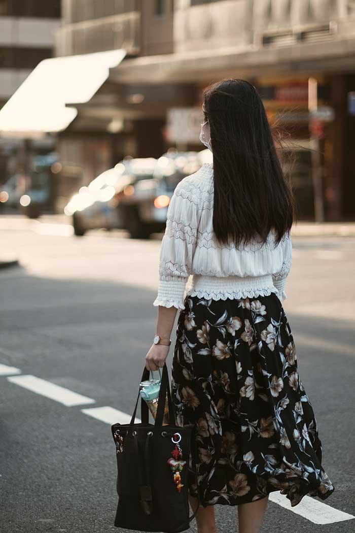 Falda de reloj de arena a la cintura